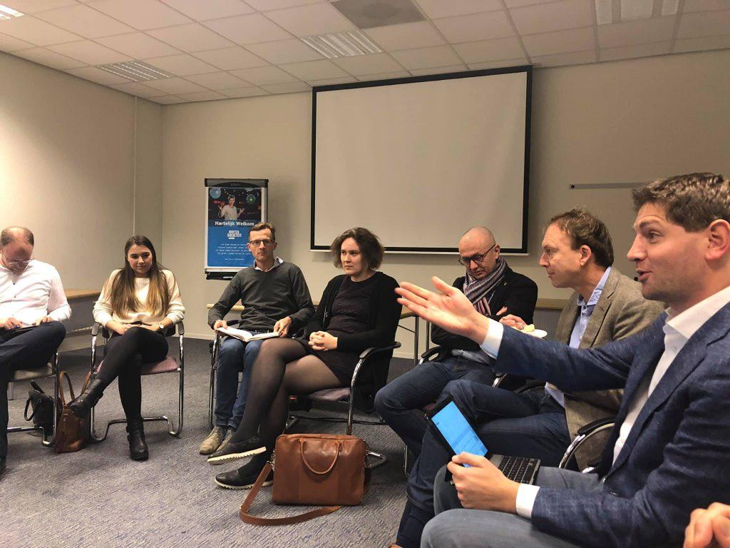 Jan Paternotte geeft uitleg over de status van Lelystad Airport.
