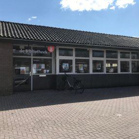De bibliotheek in Sint Jansklooster.