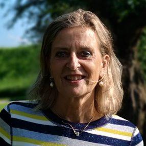 Een portretfoto van Emmy Elgersma.